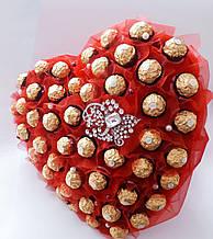 Большой букет из конфет на свадьбу сладкий подарок в форме сердца красный девушке  Сердце с любовью