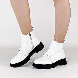Ботинки женские кожаные белые с нашивкой MORENTO демисезонные