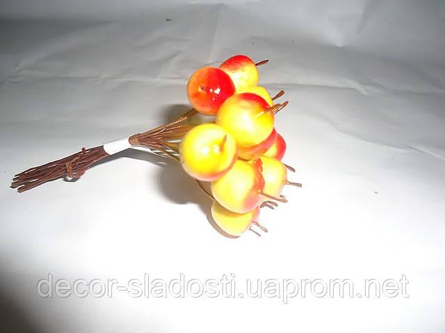 Яблочки маленькие
