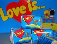 "✨Жувальна гумка ""Love Is..."" Банан-Полуниця упаковка 100 шт. хороший подарунок коханим💕✨, фото 1"
