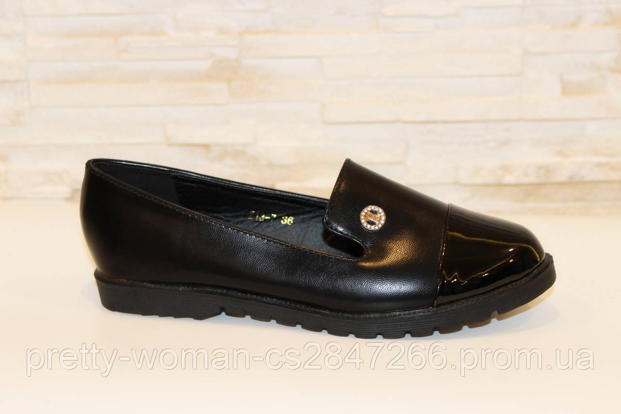 Туфлі жіночі чорні лаковий носок Т885