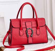 Женская сумка через плечо стильная и модная сумочка Подкова под рептилию эко кожа Красный