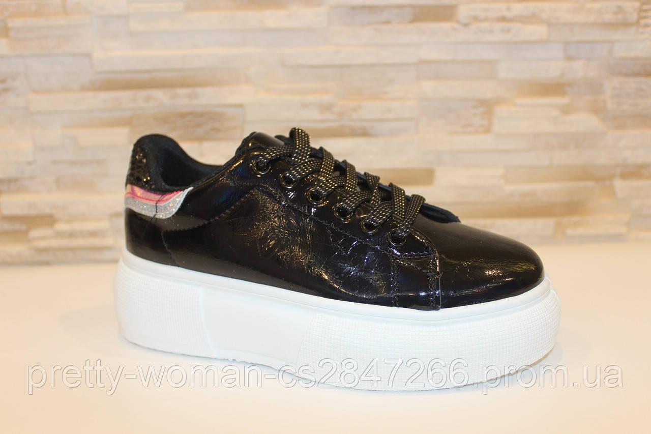 Кросівки жіночі чорні лакові Т080 38