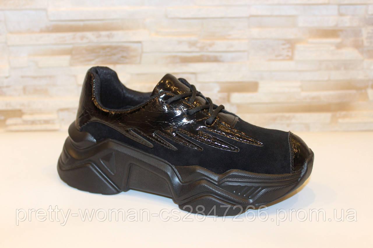 Кроссовки женские черные с лаковыми вставками Т033