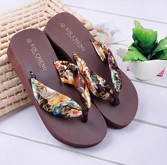 Взуття жіноче річна босоніжки, сандалі, шльопанці