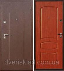 Дверь входная Стройгост 7-2 Металл/Итальянский орех, 860*2050 левые/правые