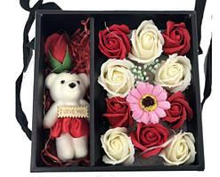 Подарочный набор мыла из роз с Мишкой