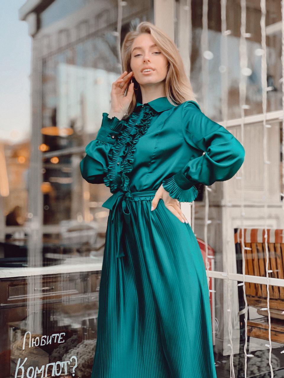 Женское шелковое платье плиссе цвет изумрудный