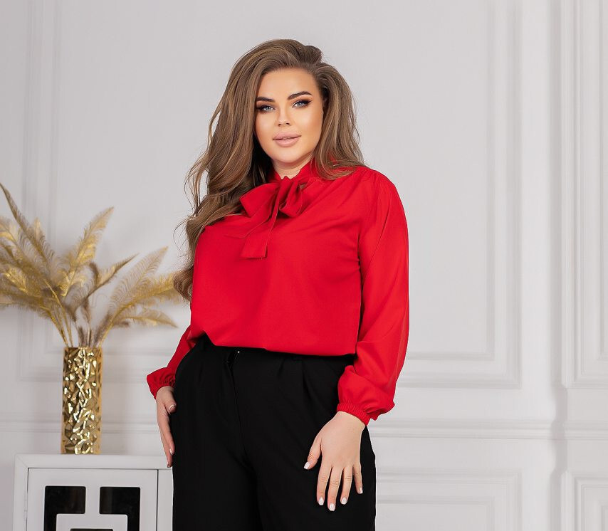 Женская красная блуза с воротом на завязках батал
