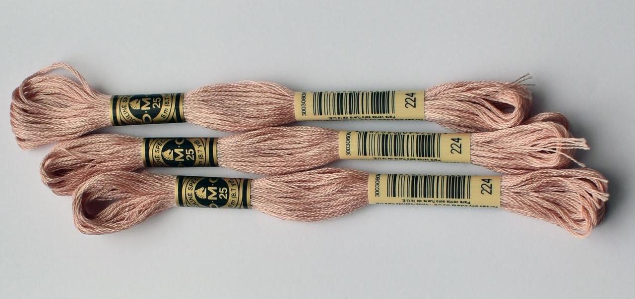 Нитки мулине DMC цвет 224 розовых ракушек, оч. св., арт.117