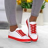 Актуальные яркие белые красные женские кеды шнуровка на весну 2021, фото 3