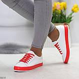 Актуальные яркие белые красные женские кеды шнуровка на весну 2021, фото 7