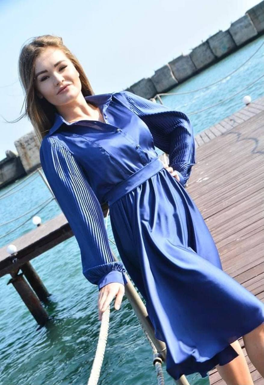 Женское шелковое платье цвет электрик