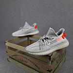 Чоловічі кросівки Adidas Yeezy Boost 350 (сірі з помаранчевим) 10389 рефлективні повсякденні кроси, фото 7