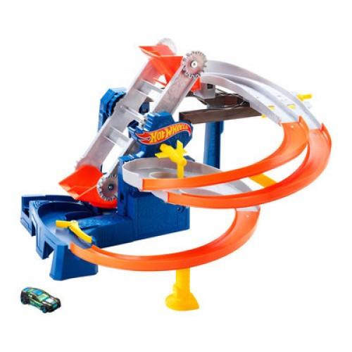 """Hot Wheels Игровой набор """"Гонки на фабрике"""""""