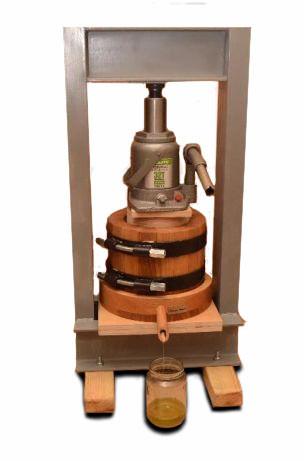 Деревянный маслопресс для холодного отжима масла 1,5 литра с домкратом 20 тон