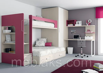 Двухъярусные кровати со столом и шкафом