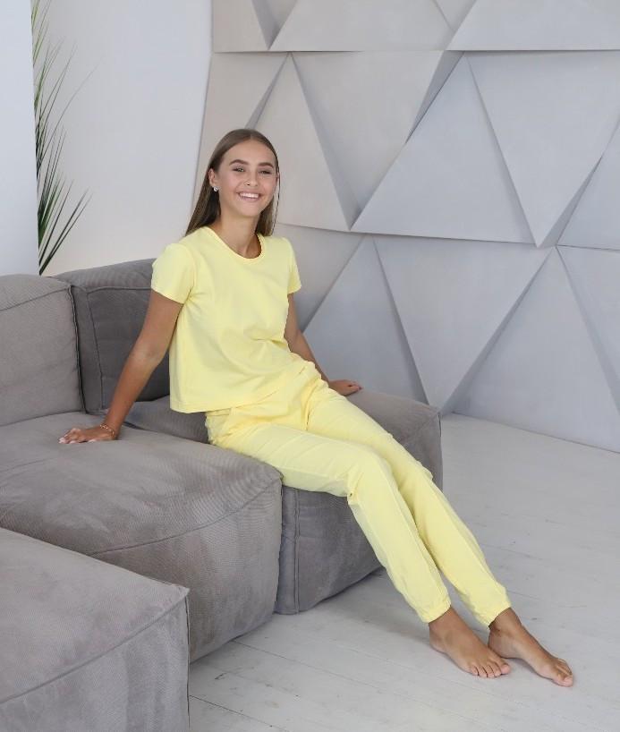 Домашний костюм-пижама, штаны с футболкой в желтом цвете