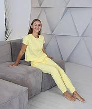 Домашній костюм-піжама, штани з футболкою в жовтому кольорі