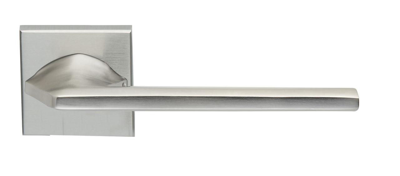 Дверна ручка ILAVIO, модель 2406 квадратна розетка