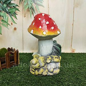 Садовая фигура Гриб Мухомор на камне 15 см