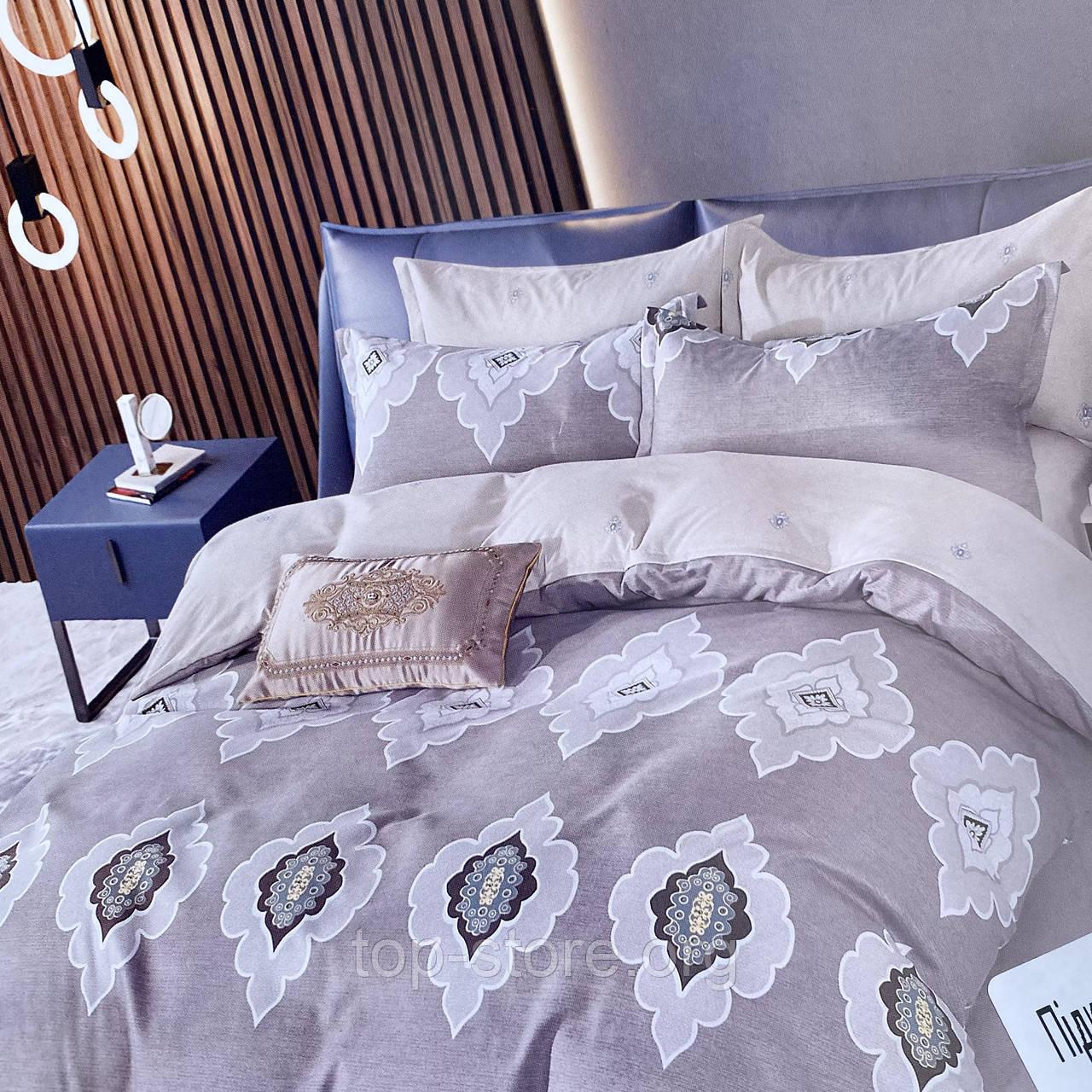 Постельное белье Евро размер   Качественный фланелевый комплект постельного белья.