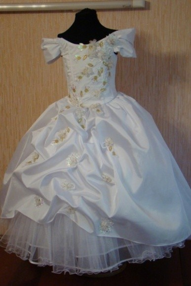 9ac017fe65b Бальное платье для девочки Симферополь - Эксклюзивный пошив одежды. Ателье  «Кайтан Стиль» в