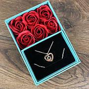 Подарочный набор Мыльные розы с кулоном букет из мыла в коробке подарок на 8 марта маме девушке