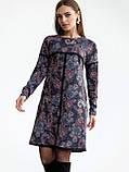 Повседневное платьетрапеция с контрастной тесьмой на полочке и рукавах, фото 2