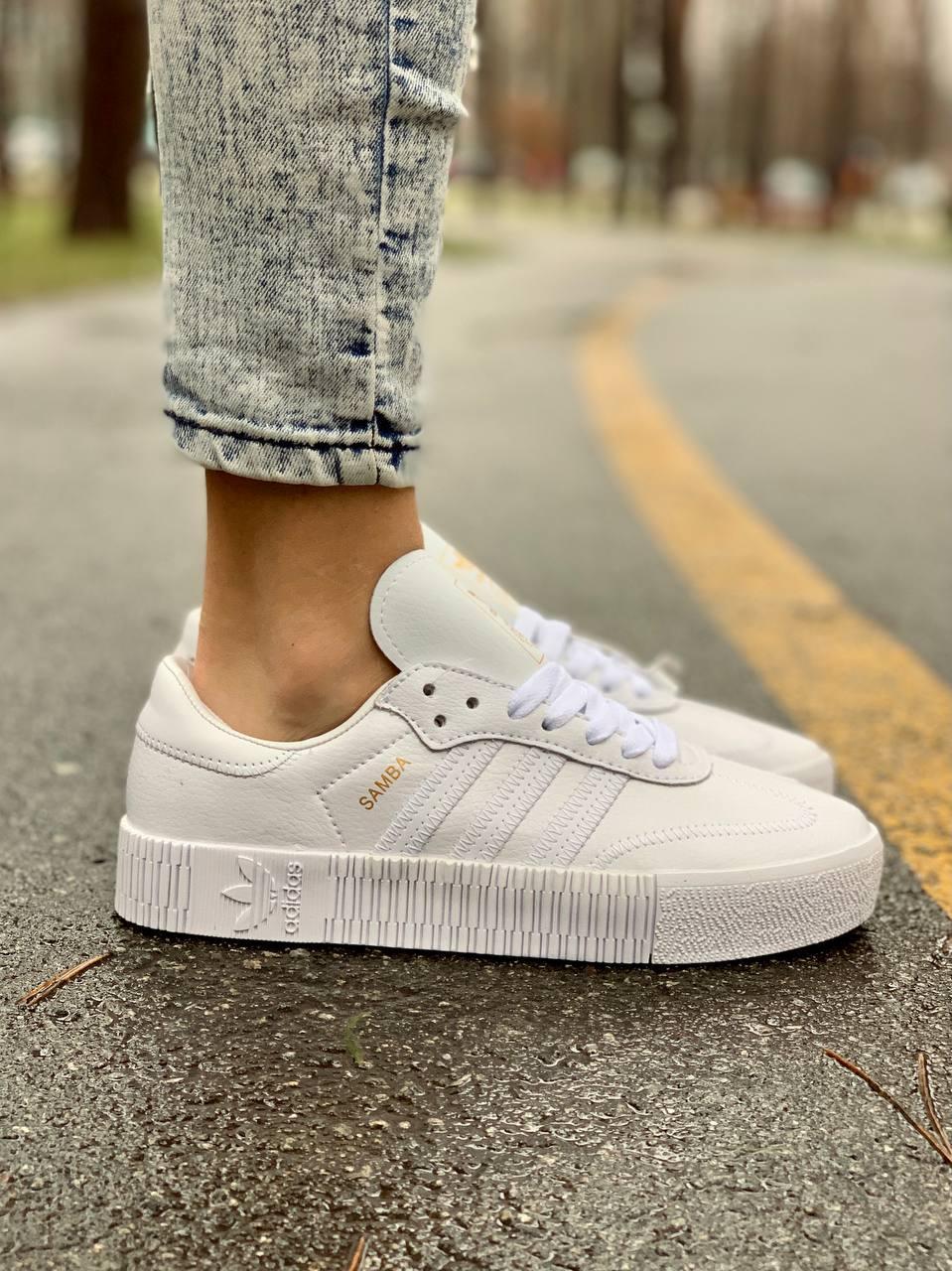 Женские кожаные кроссовки Adidas Samba White Leather белого цвета