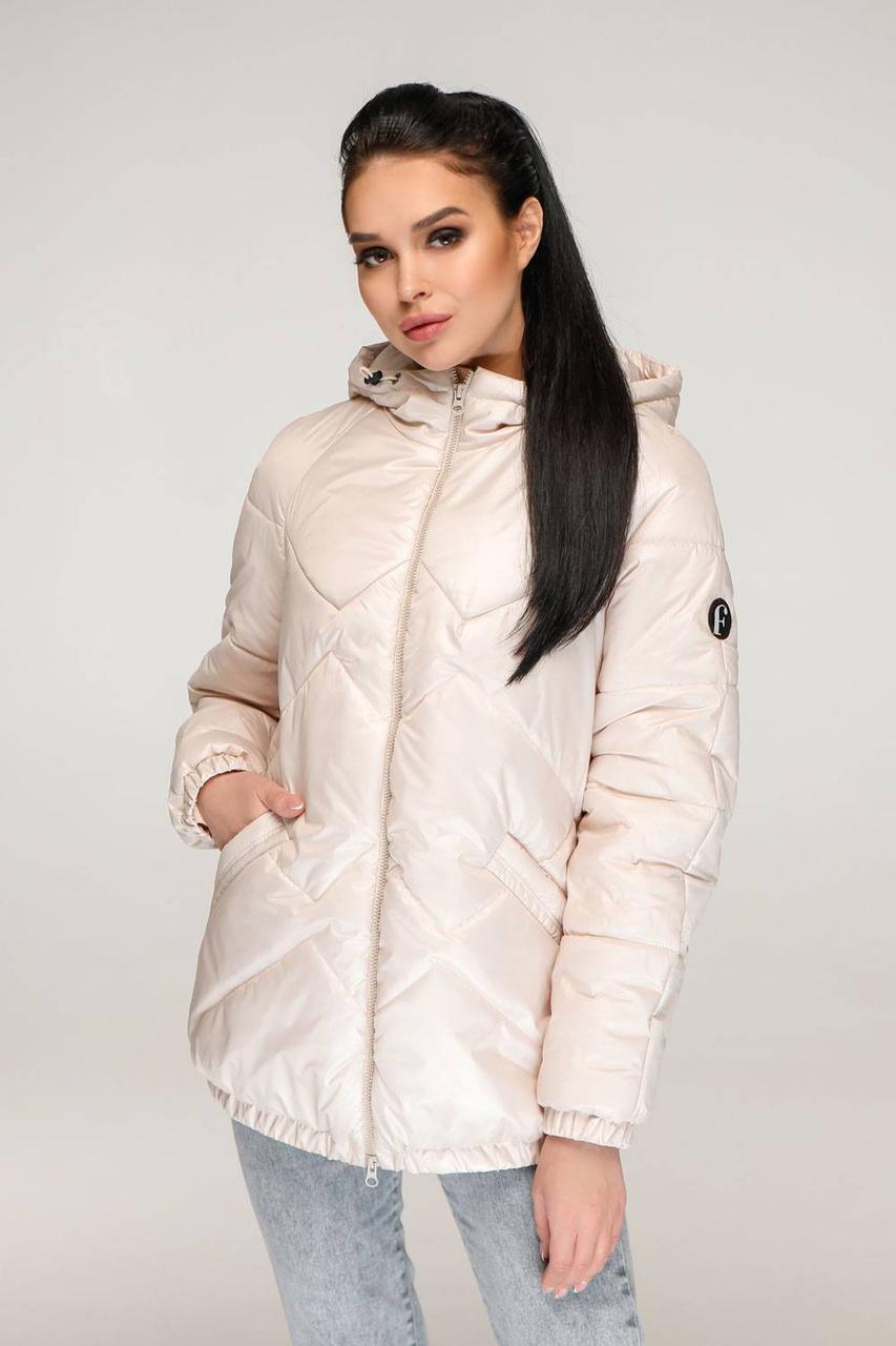 Трендова жіноча куртка весна-осінь