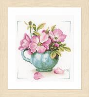 """PN-0164070 Набор для вышивки крестом LanArte Wild Roses """"Дикие розы"""""""