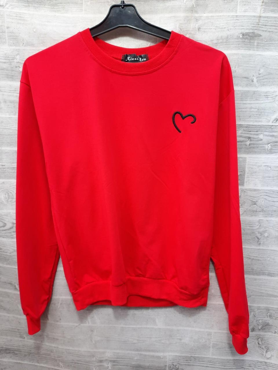 Жіночий пуловер з сердечком на грудях 44-46 (в кольорах)