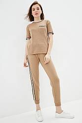 Вязаный прогулочный костюм из хлопковой пряжи. Размер 42-44, 46-48. Цвет кэмел.