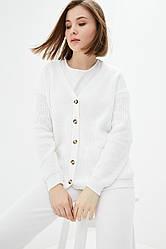 Повседневный вязаный костюм крупной вязкой. Размер 42-44, 46-48. Белый. 50% хлопок/ 50% акрил