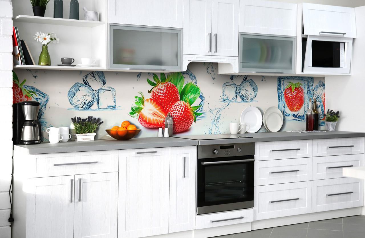 Скинали на кухню Zatarga «Тающая клубника» 650х2500 мм виниловая 3Д наклейка кухонный фартук самоклеящаяся