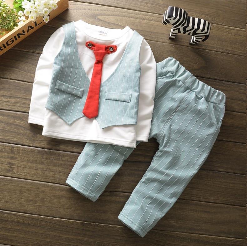 Костюм нарядный мальчику с галстуком