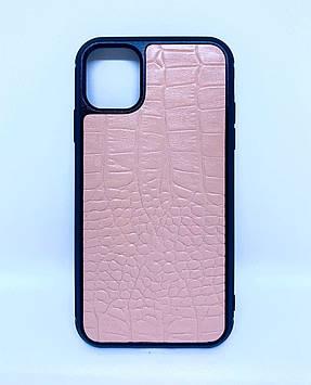 Чехол CaZe для iPhone 11 с тиснением под крокодила нежно-розовый