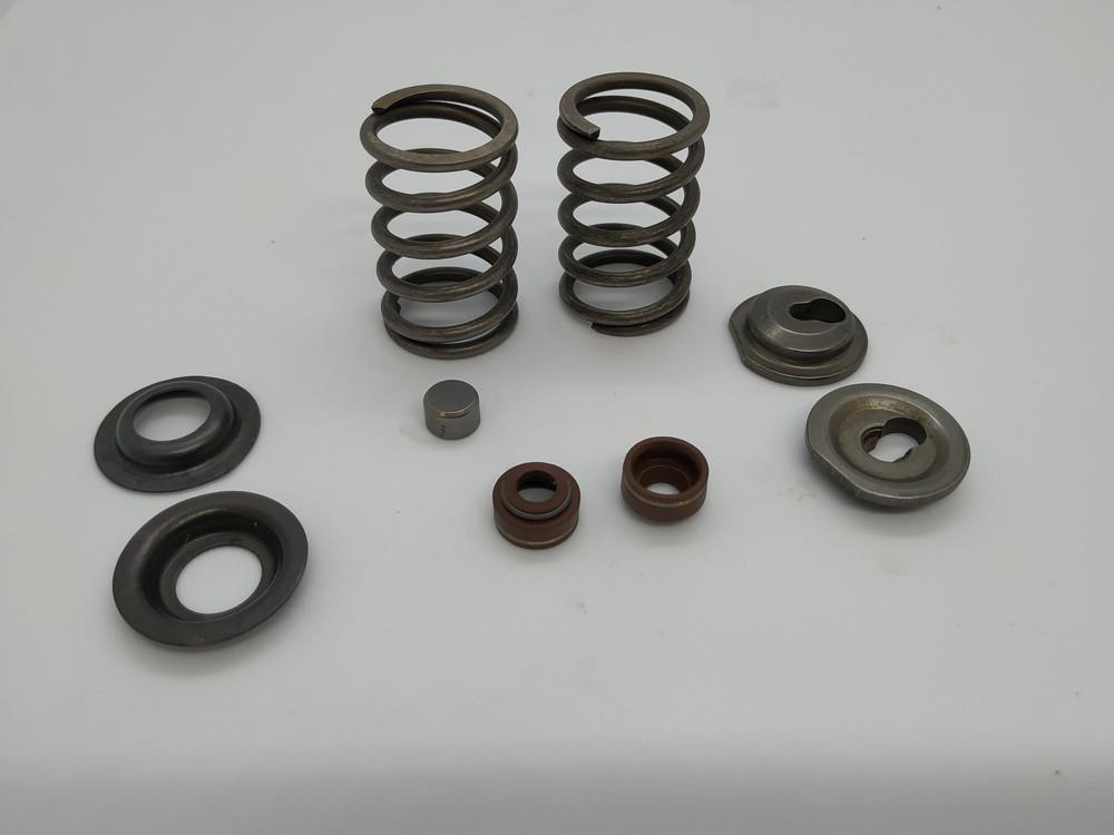 Клапанний механізм комплект (пружини, сухарі, теп.компенсатори на 2 клапана) - 168F
