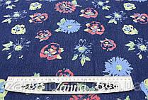 Джинсовая ткань с цветочным красочным принтом