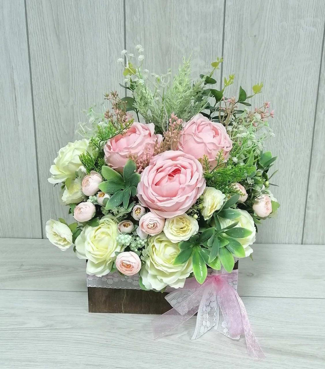 Композиция из цветов Волинськi вiзерунки в деревянном конверте