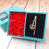 Подарочный набор девушке Шкатулка с розами-мыло и кулон Я люблю тебя на 100 языках (Оригинальные фото)