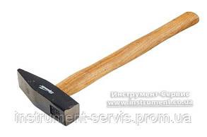 Молоток 800 г, квадрадный боек, деревянная рукоятка (Sparta, 102155)