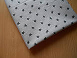 Клапоть тканини №51а з графітовими зірочками на сірому фоні, розмір 27*160 см, фото 2