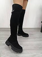 Замшеві чорні ботфорти на низькому каблуці