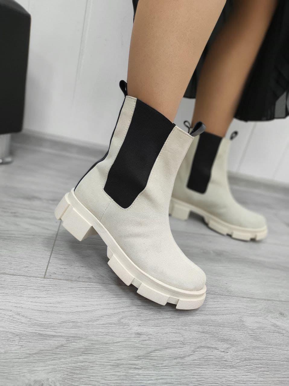 Замшеві черевики Челсі