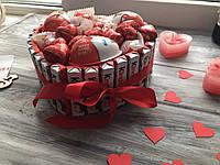 Солодкий подарунок сердце із киндера в коробці