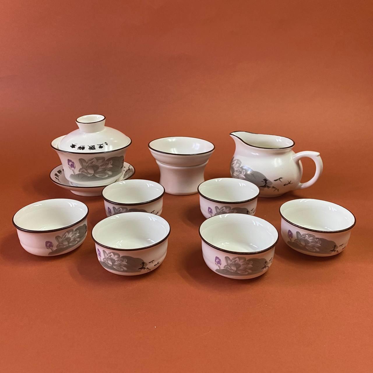 Набір чайного посуду з фарфору