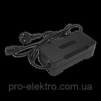 Зарядні пристрої для літієвих акумуляторних батарей LogicPower