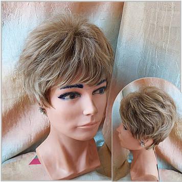 Короткий парик из термоволос песочный микс  RG MADREN-Н16/613